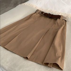 Burberry skirt with belt